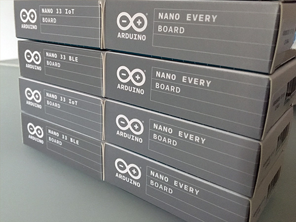 arduino-nano-unboxing-boxes-sides