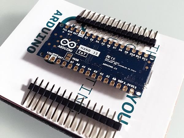arduino-nano-unboxing-nano-33-IoT-back