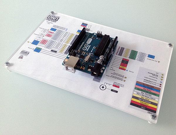 Basetta-prototipazione-arduino-pinout-obliqua