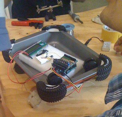 Robot realizzato all'Arduino Camp