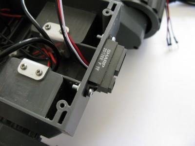 sensore sharp GP2D120X montato