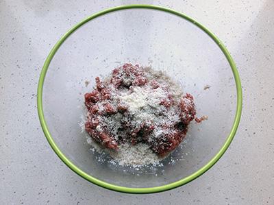 Sartù di riso polpette aggiungere formaggio