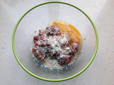 Sartù di riso polpette aggiungere uova