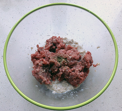 Sartù di riso polpette salare e pepare la carne