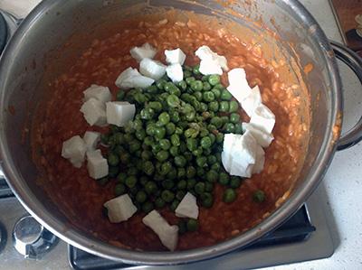 Sartù di riso aggiungi mozzarella