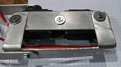 braccio robot montaggio servo definitivo particolare