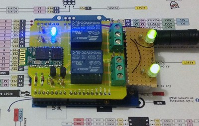 Lemontech BlueRelay Shield per Arduino in funzione