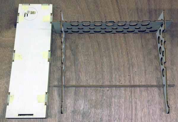 base laptop contenitore montato