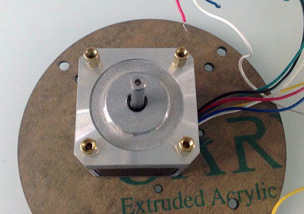 montaggio base rotante motore
