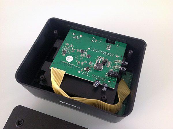 NAS hacking disk box nas hdd stata opened