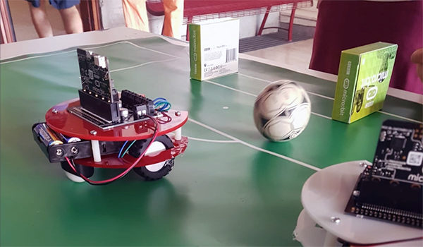 Trieste-Mini-Maker-Faire-soccer-robot