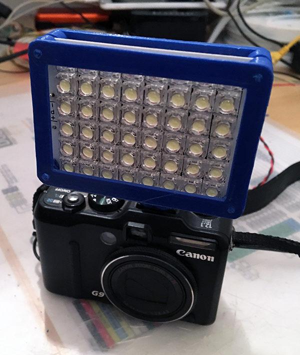 3D flash led supporto