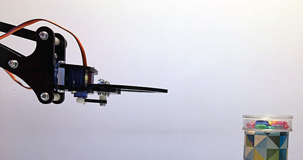 Robot Arm serial servo controlled gripper