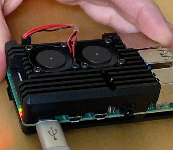 Raspberry Pi 4 cooler power